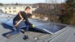 Foto leggen zonnepanelen Zonnig Limburg